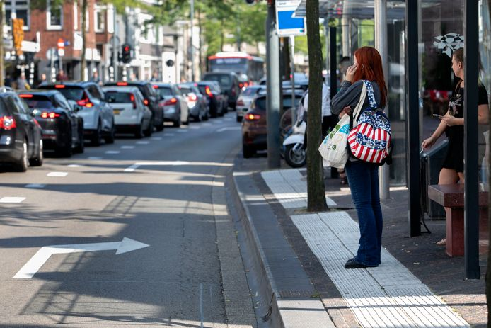 Bussen moeten straks allemaal over de nu al drukke Keizersgracht en Wal