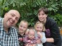 De familie Grem in het Erasmus MC in Rotterdam waar Elsie de afgelopen vijf maanden verbleef.