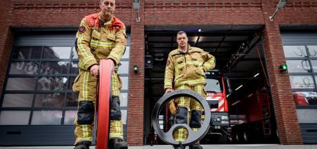 Loodzware blusslang in handomdraai opgerold door slimme vinding van Twentse brandweermannen
