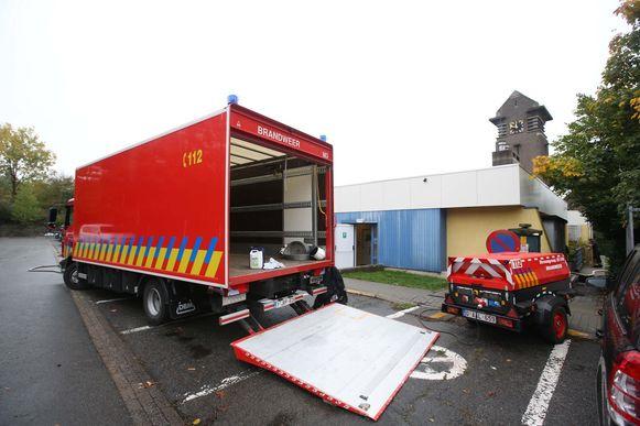 De brandweer moest vorige dinsdag nog met zwaar materiaal ter plaatse komen om water weg te pompen na een waterlek.