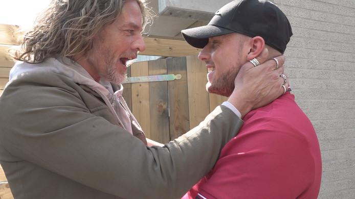 Tygo Gernandt en ex-verslaafde Kevin zien elkaar na lange tijd weer.