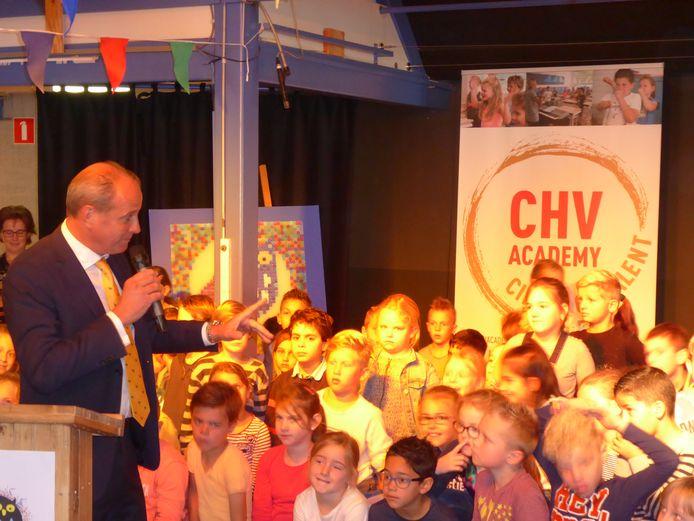 De aftrap van CHV Academy bij basisschool De Uilenbrink in Veghel met CEO Frits van Eerd van Jumbo, drie jaar geleden.