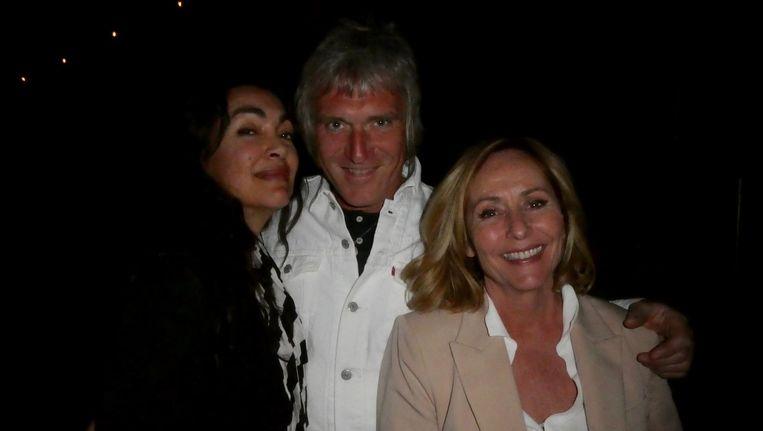 Zangeres Monique Klemann, gitarist/manager Phil Tilli en zangeres Angela Groothuizen. Tilli: 'Phil's Angels' Beeld Schuim