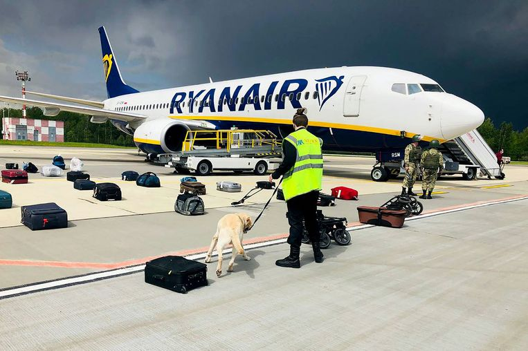 De Ryanair-vlucht op de luchthaven van Minsk. Beeld AFP