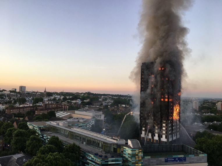 De brand in de Grenfell Tower in Londen kostte het leven aan 71 mensen. Beeld rv