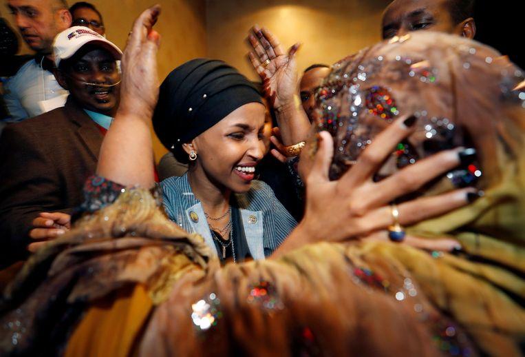 Ilhan Omar won voor de Democraten een zetel in het Huis van Afgevaardigden.  Ze is één van de twee moslima's die een zetel wonnen in het Huis, voor het eerst. Beeld REUTERS