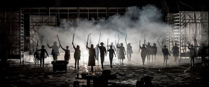 Theaterproductie De Wilde Deerne last extra voorstelling in.