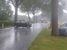 Twee keer geluk bij een ongeluk: verkeersongeval en blikseminslag in Groesbeek