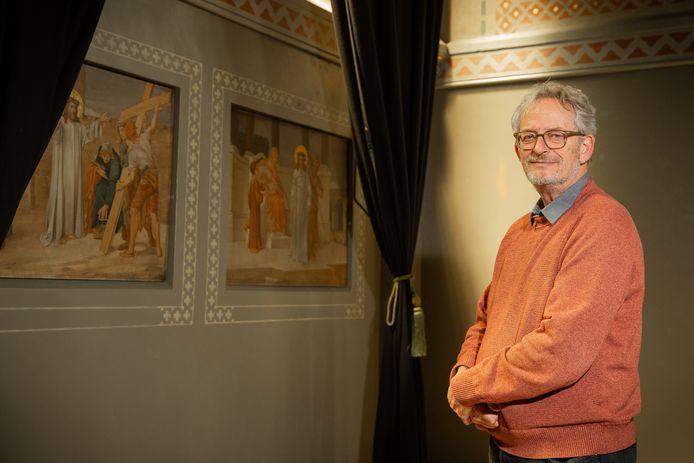 Initiatiefnemer Peter Fontijn in de Boldershofkapel.