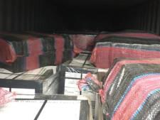 Douane vindt 493 kilo cocaïne in Rotterdamse haven tussen de blikken tonijn uit Colombia