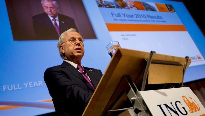 Jan Hommen bij de presentatie van de ING-jaarcijfers over 2010.