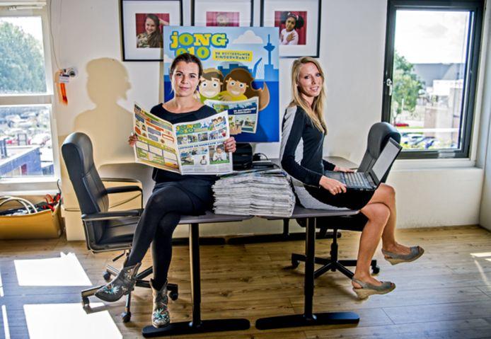 Angelique van Tilburg (links) en Suzanne Huig runnen samen de kinderkrant Jong010.