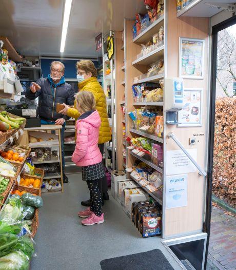 'Melkman' Hans van Steen stopt met rijdende winkel, nieuwe uitdaging wacht in Dorst