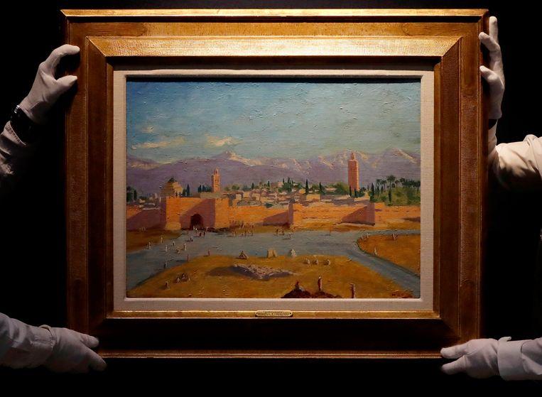 Het schilderij 'Tower of Koutoubia Mosque' tijdens een presentatie bij Christie's. Beeld AP