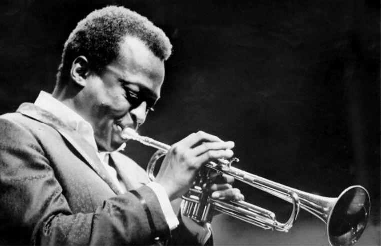 'Op 28 oktober 1967 speelt Miles Davis in de Koningin Elisabethzaal in Antwerpen. 'Live in Europe' staat vol BRT-opnamen van dat concert' Beeld