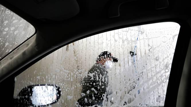 Carwash in Eeklo laat klanten toch hun auto wassen: 750 euro coronaboete