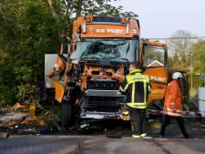 Nederlandse trucker (33) aan dood ontsnapt bij botsing met trein Duitsland