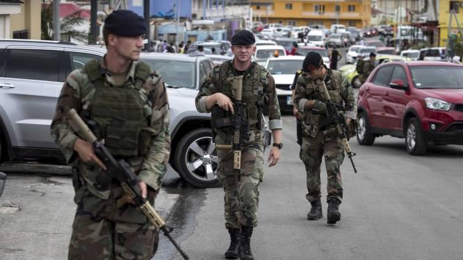"""Nederlandse soldaten patrouilleren tegen plunderingen: """"Veiligheid op Sint-Maarten onder controle"""""""
