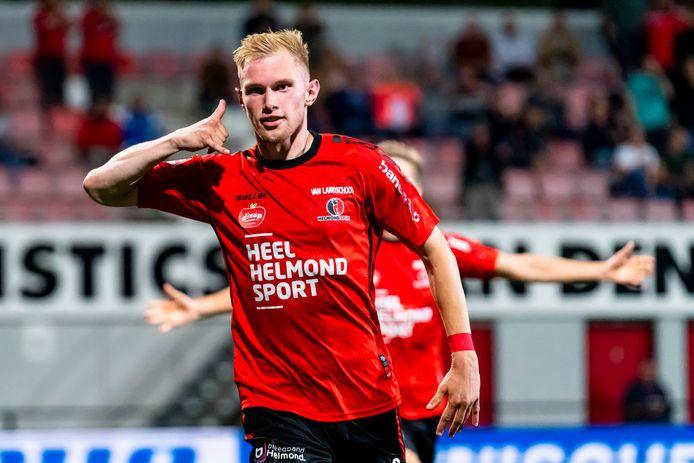 Jellert Van Landschoot kopte Helmond Sport op 1-0 na een afgemeten voorzet van Jules Houttequiet.