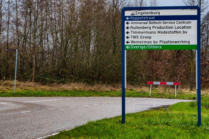 De randweg loopt nu dood bij bedrijventerrein Engelenburg in Twello. De gemeente Voorst wil de weg graag doortrekken naar de Rijksstraatweg aan de westkant van het dorp.