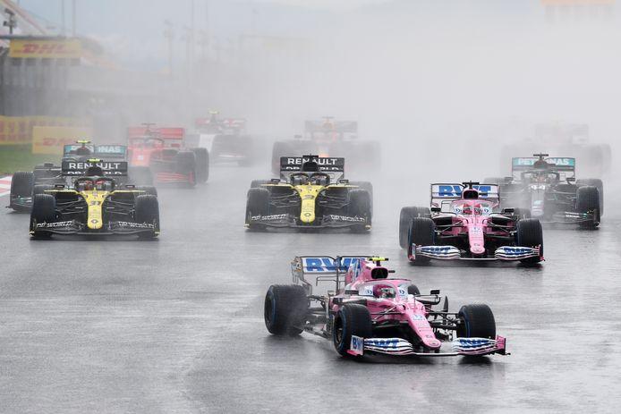 Lance Stroll begon voor het eerst op pole position, maar kon deze plek niet vasthouden.