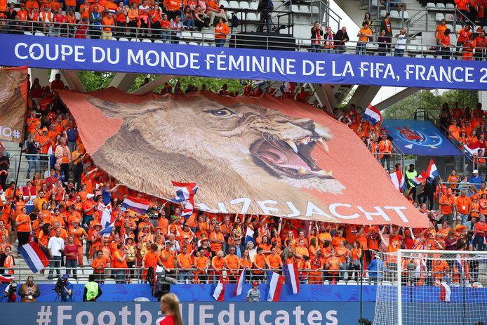 Oranje-fans vanavond in Reims bij Nederland-Canada.