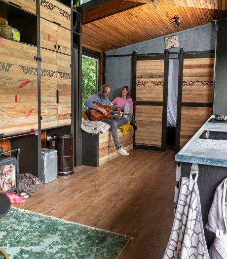 Peter en Jacqueline kochten een tiny house, maar wonen nu noodgedwongen op een camping