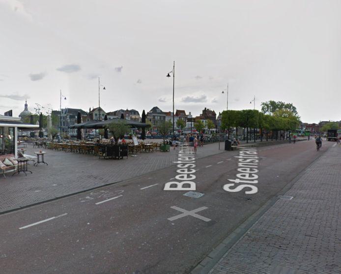 De Beestenmarkt en Steenstraat in Leiden