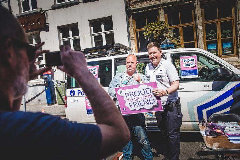 Politie Gent lanceert holebivriendelijke slogan #Proud to be your friend.