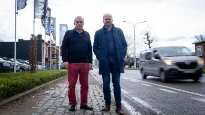 """Winkelier klaagt over proefopstelling Antwerpsesteenweg: """"Tot twintig procent minder klanten door verkeersellende"""""""