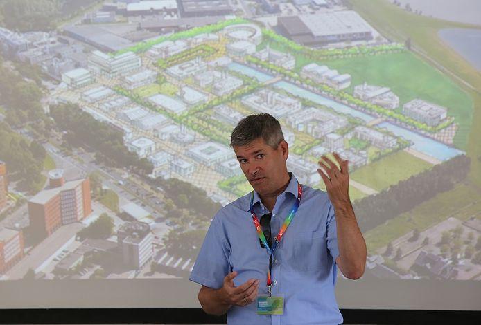 Marcel Schreuder Goedheijt bij een eerdere presentatie van de plannen voor S/Park. De doelstellingen bij de entree tot Deventer zijn niet gehaald.