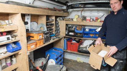 Inbrekers roven bestelwagens leeg