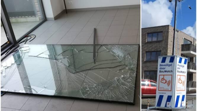 """Vandalen teisteren nieuwe woonwijk in Brugge: """"Ze hielden zelfs al feestje in appartement"""""""
