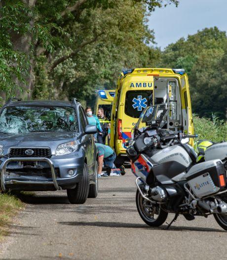 Jonge Tomos-rijder overleden na botsing in Heeten