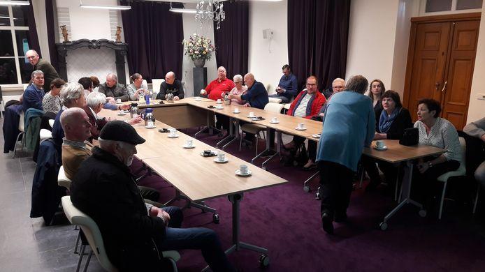 Volop publieke belangstelling in het oude raadhuis voor het debat over onder meer de Bredaseweg in Roosendaal.