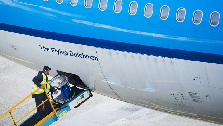 Een vliegtuig van KLM wordt paraat gemaakt voor vertrek Beeld anp