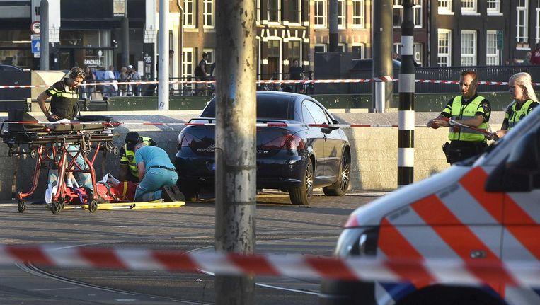 Hulpverleners bij Amsterdam CS na de aanrijding Beeld Evert Elzinga/ANP