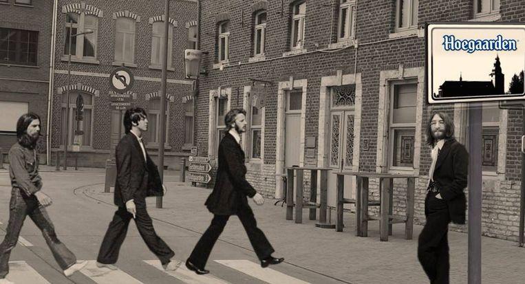 John Lennon staat de andere Beatles op te wachten voor het Nieuwhuys