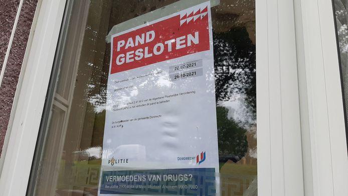 Burgemeester Kolff laat regelmatig woningen sluiten na de vondst van drugs.