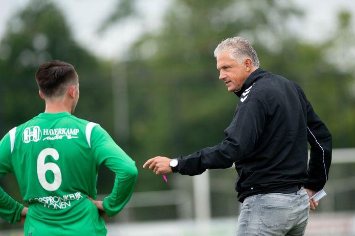 Trainer Hans Uit den Bogaard wil iets opbouwen met SC Teuge.