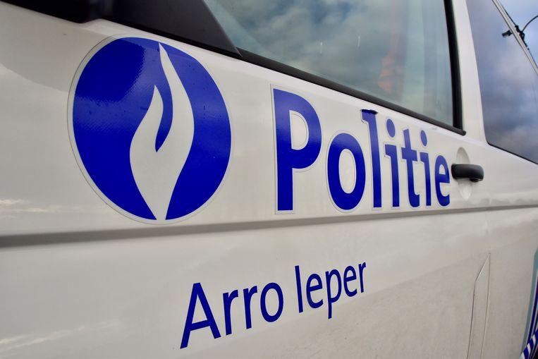 De politie van de zone Arro Ieper snelde ook ter plaatse naar de Diksmuidseweg.
