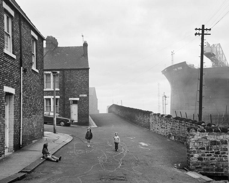 Looking East from Camp Road, 1975.  Beeld Chris Killip