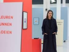 'Postbode-elastiekjes-geel' en 'een zonsondergang van zwarten': Stella Verdult is idolaat van kleuren