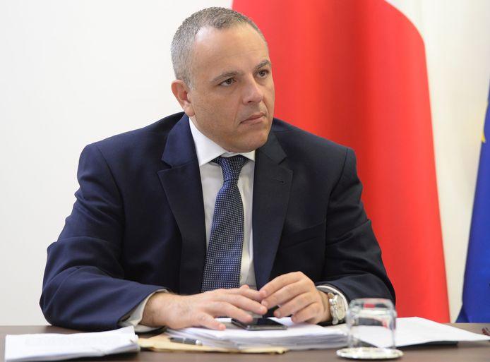 Keith Schembri, de stafchef van de Maltese premier Joseph Muscat die maandag ontslag nam, is gisteren gearresteerd in het kader van het onderzoek naar de moord op de journalist Caruana Galizia.