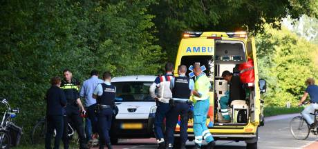 Fietsster gewond na botsing met auto in Axel