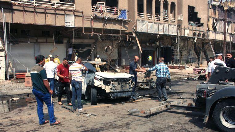 Vandaag ontplofte ook een wagen in Bagdad. Daarbij vielen drie doden. Beeld EPA