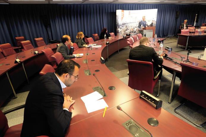 Beeld van de persconferentie donderdagmiddag in Eindhoven.