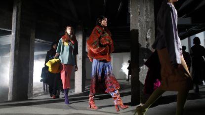 Dries Van Noten stelt weer een uiterst gesofisticeerde collectie voor in Parijs