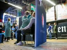 Feyenoordsupporters laten duel in de Kuip links liggen: 'De beleving is weg door alle verplichtingen'