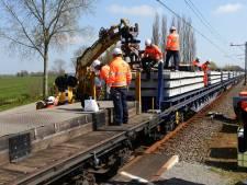 Pas dinsdag weer treinen Gorinchem - Geldermalsen, Oostenrijkers én robot helpen bij megaklus
